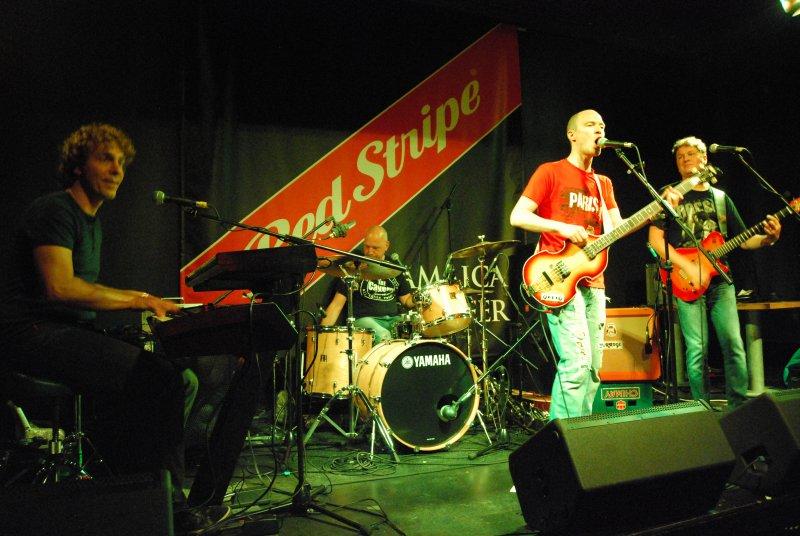 beapple-dundee-aug2011-447