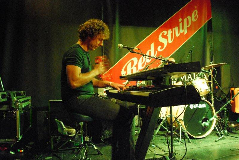 beapple-dundee-aug2011-480